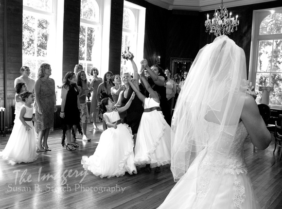Bouquet Toss_041